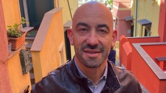 Matteo Bassetti, il virologo star tv passa alla moda