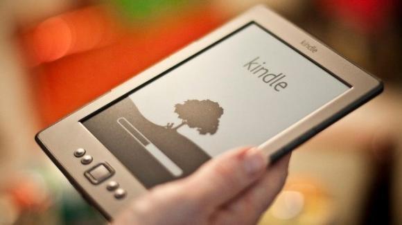 Falla di sicurezza in Amazon Kindle: e-book usati come malware per rubare informazioni agli utenti