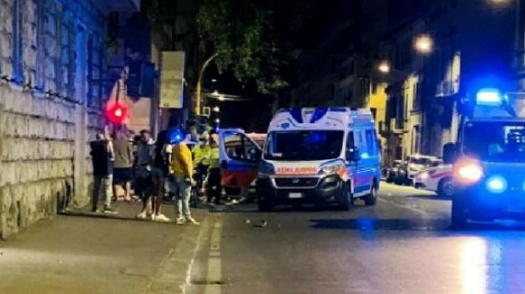 Firenze, incidente tra scooter e monopattino: muore un giovane