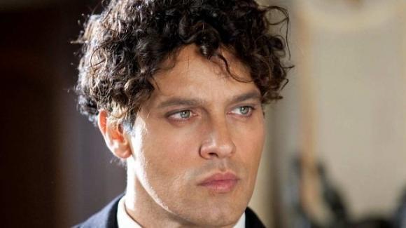 Gabriel Garko si è innamorato di un ragazzo più giovane: l'indiscrezione