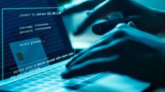 Scoperto il virus FlyTrap che ruba i dati di Facebook: ecco come agisce e come difendersi