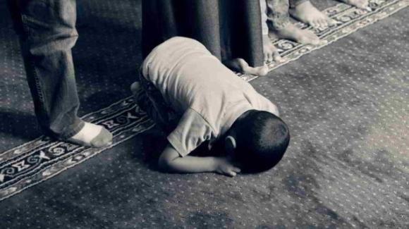 Pakistan: fa la pipì su un tappeto, bimbo di 8 anni rischia la pena di morte