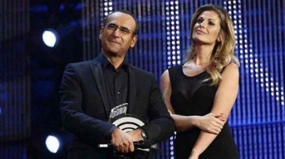 """Carlo Conti parla di Vanessa Incontrada e spiazza: """"Mi ha baciato"""""""