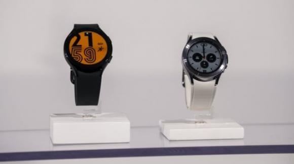 Samsung presenta gli smartwatch Galaxy Watch 4 e gli auricolari Galaxy Buds 2