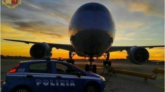 Palermo, tenta di imbarcarsi su un volo per Milano nonostante fosse positivo al Covid