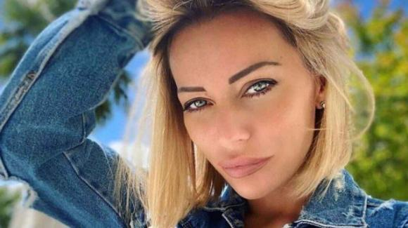 """Karina Cascella rifiuta un'eventuale proposta del """"GF Vip"""": """"Lascerò ad altri il mio posto"""""""