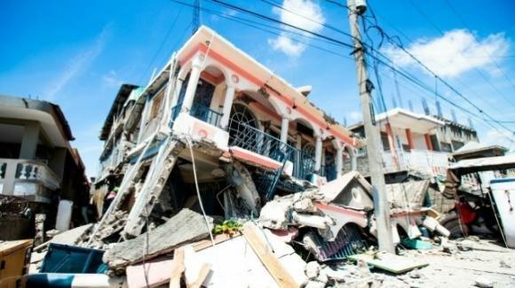 Sale a 227 il numero delle vittime del sisma ad Haiti