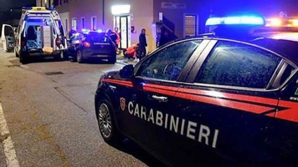 Bergamo, adolescente colpisce con una coltellata la madre: la donna è deceduta
