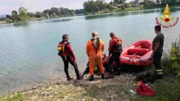 Viterbo, ragazzo trovato morto in un lago: partecipava ad un rave party
