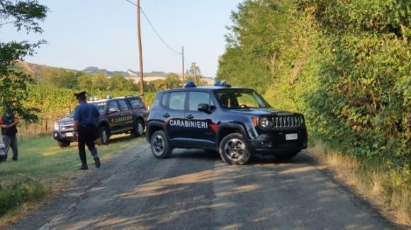 Bologna, uccide la moglie a colpi di fucile e poi tenta il suicidio