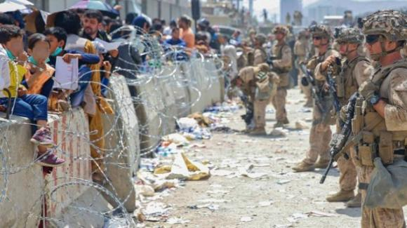 Grecia, costruita una barriera contro migranti afghani, completato muro di 40 km
