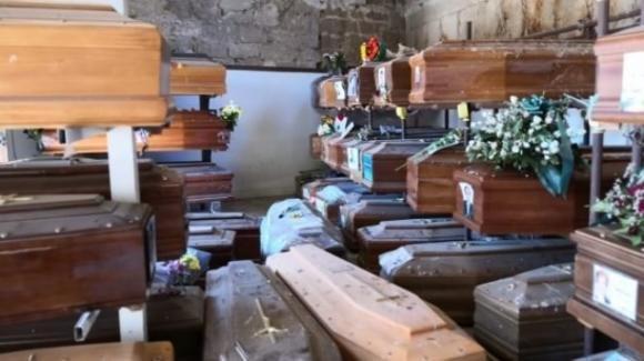 Palermo non riesce a seppellire i suoi morti: 920 salme in attesa di sepoltura