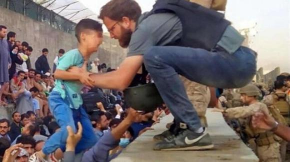 Afghanistan, il console italiano eroe che aiuta i bambini di Kabul