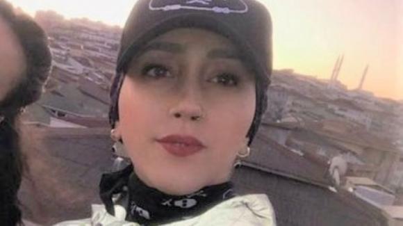 La star di Tik Tok Kuba Dogan muore a 23 anni: stava registrando un video