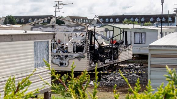 UK: bambina di 2 anni muore in un incendio in camper, salvi i tre fratelli e la madre