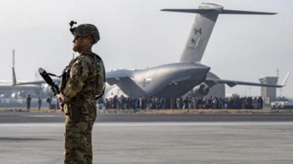 Afghanistan: spari su un aereo italiano in fase di decollo