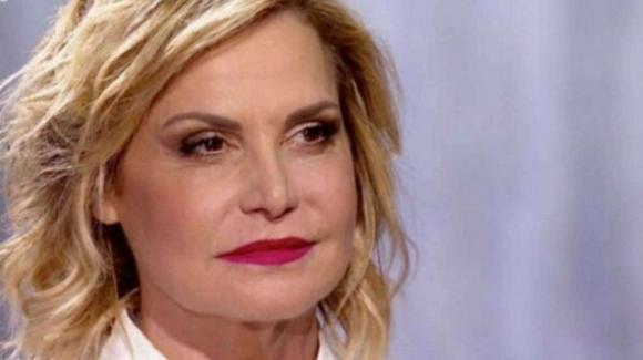 """Simona Ventura lutto e tragedia, è morta Sabrina: """"Sei stata una guerriera"""""""