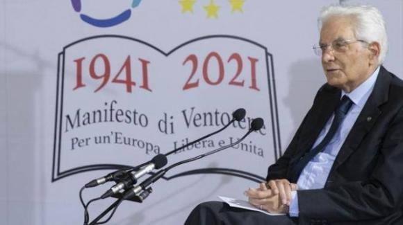 Mattarella richiama l'Europa ai suoi valori fondativi