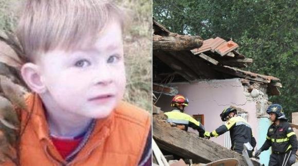 Lutto cittadino a Torino: oggi i funerali del piccolo Aron