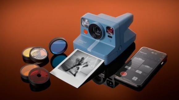 Polaroid Now+: ufficiale la fotocamera a sviluppo istantaneo con filtri colore e Bluetooth