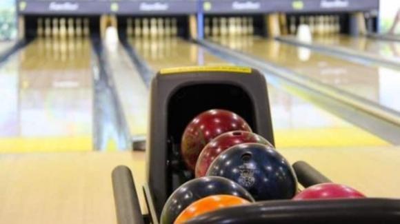 UK, aggredita al bowling: i gestori le offrono ingressi omaggio per il silenzio