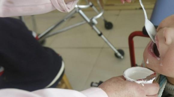 Milano, bimba di 11 mesi muore mentre mangia uno yogurt: disposta l'autopsia