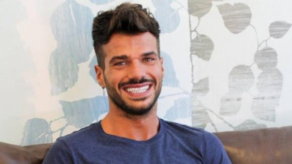 """Claudio Sona parla del GF Vip: """"Nella casa cercano il gay macchietta"""""""