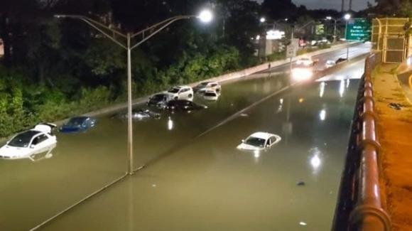 New York messa in ginocchio dall'uragano Ida: si contano le vittime