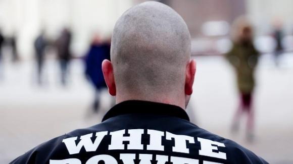 UK, fa propaganda nazista online: il giudice lo condanna a leggere i classici della letteratura