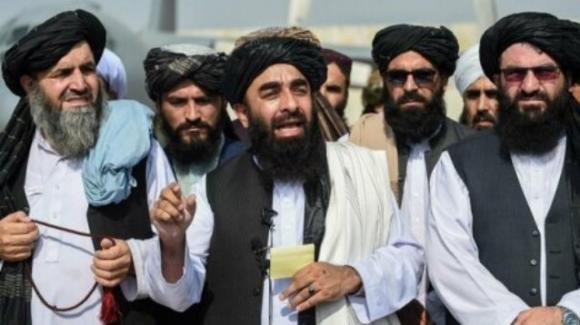 La faccia dialogante dei talebani: l'Occidente ci riconosca
