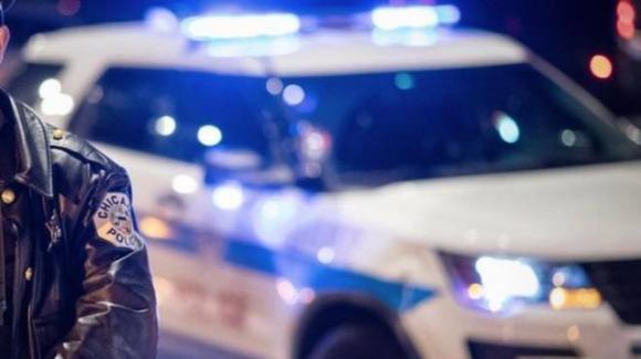 """Si taglia il pene e lo lancia dal finestrino durante la fuga dalla polizia: """"Me lo hanno detto le voci"""""""