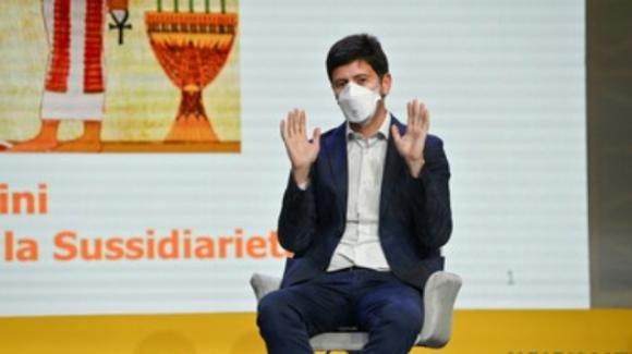 """Covid-19, Roberto Speranza: """"Il vaccino è uno strumento di libertà"""""""