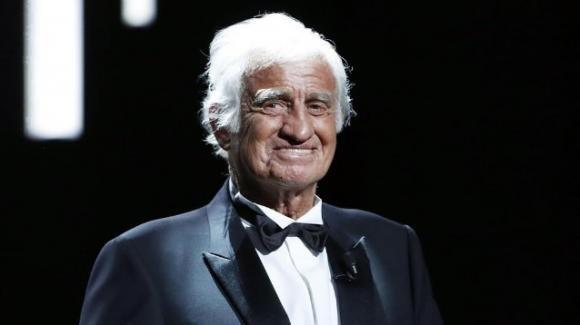 """Jean-Paul Belmondo morto a 88 anni: addio alla star di """"Fino all'ultimo respiro"""""""