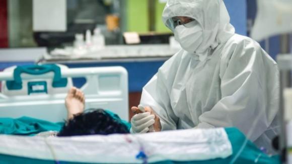 Brescia, madre di due bambini muore di Covid: non si era vaccinata per scelta