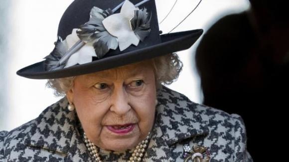 UK, la Regina Elisabetta appoggia il Black Lives Matter, il movimento antirazzista