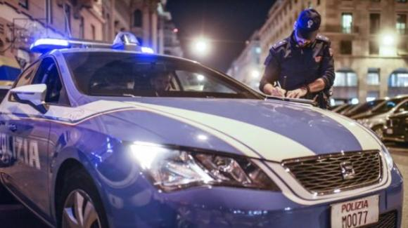 Genova, atti osceni davanti ad alcune minori: viene preso a pugni e steso a terra