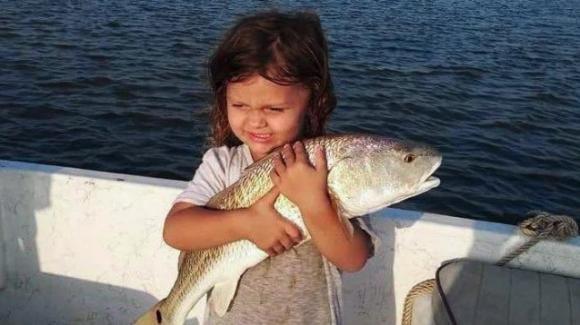 Bimba di 4 anni muore nel sonno con la febbre: era positiva al Covid come la madre no vax