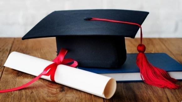 Pensione e riscatto laurea 2021: requisiti, funzionamento, convenienza e deducibilità