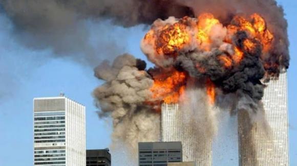 Complotti scaturiti su internet in vent'anni dopo l'attentato alle Torri Gemelle