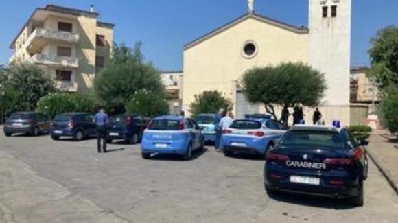 Napoli, pregiudicato ucciso davanti ad una chiesa a Torre Annunziata