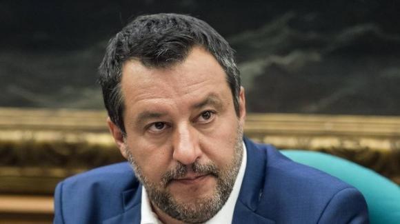 Salvini si improvvisa virologo: le varianti, dice, nascono a causa del vaccino