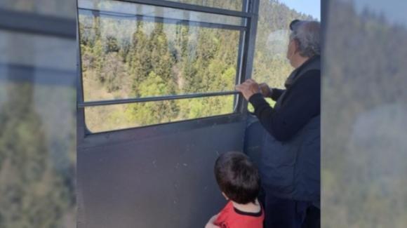 Eitan rapito dal nonno: il bimbo scampato alla strage del Mottarone è in ospedale in Israele
