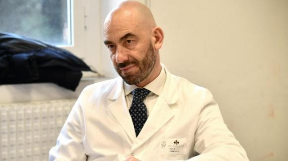 """Matteo Bassetti: """"Ci vorranno almeno due anni prima che la pandemia finisca"""""""