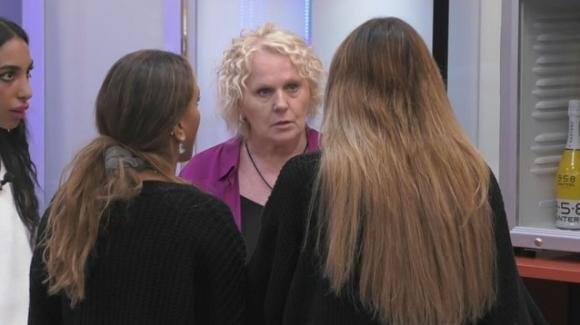 GF Vip, Katia Ricciarelli senza freni: ennesimo insulto choc nella casa