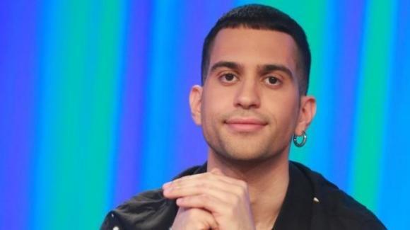 """Mahmood fa una rivelazione sulla sua vita privata: """"Non ero più io, mia madre spaventata"""""""