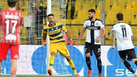 Serie B, Parma-Cremonese 1-2: Fagioli e Vido trascinano la squadra di Pecchia