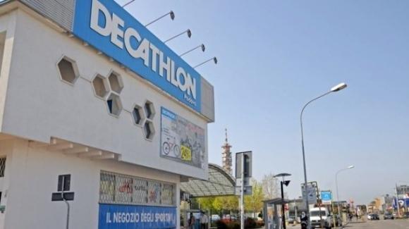 Padova, trovata senza vita nel camerino del Decathlon: stroncata da un infarto