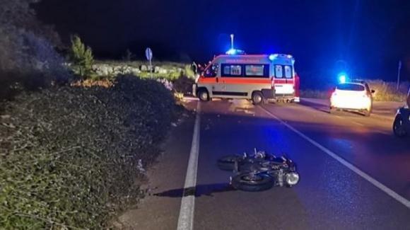 Lecce, incidente stradale tra auto e moto: muore una centaura sotto gli occhi di un amico