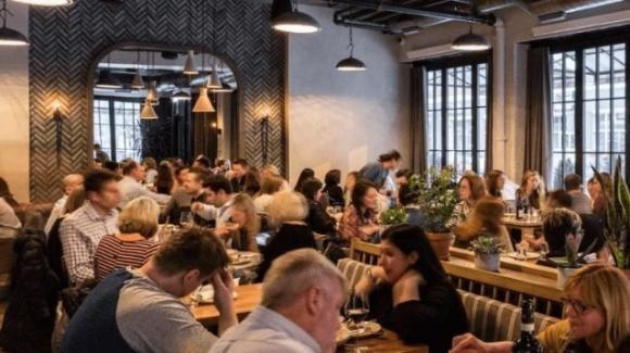 Norvegia, si ritorna alla normalità: niente distanziamento e i ristoranti ritornano alla loro piena capacità