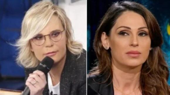 """Canale 5, l'idea di Berlusconi diventa realtà: """"Amici"""" fisso la domenica e la Tatangelo si sposta al sabato"""